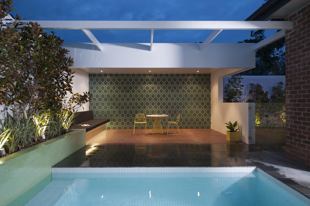 Spasa awards of excellence 2013 ian barker gardens for Innovative pool design king s mountain