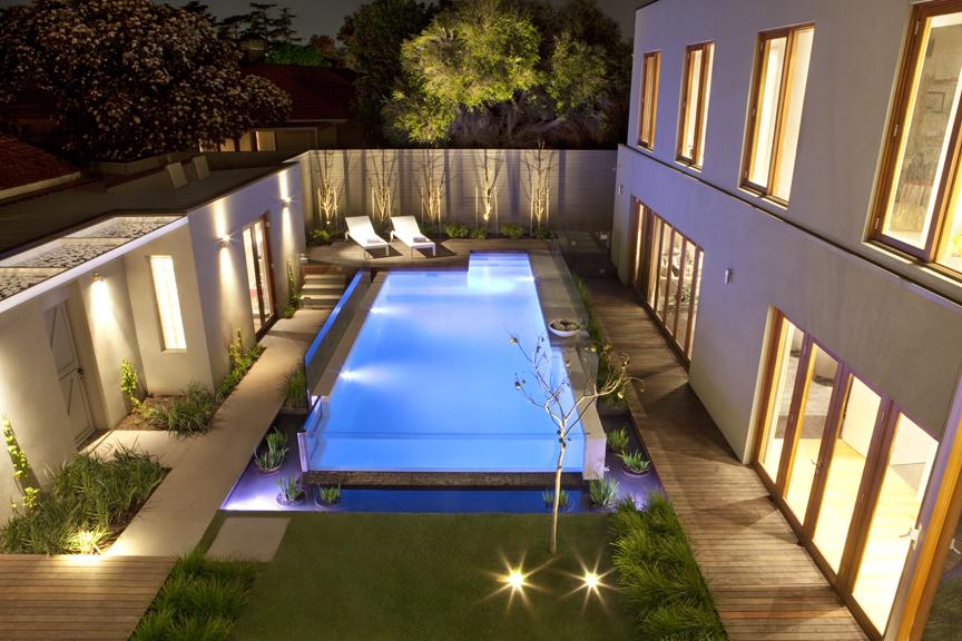 Backyard Garden Design Ideas Feature 39 Out Of The Box 39 Ian Barker Gardens Landscapers
