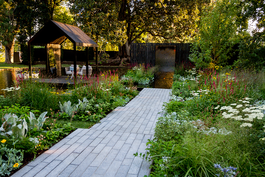 Ian Barker Gardens_Melbourne International Flower & Garden Show 2016_Erik Holt Photography_Granite Paving Path